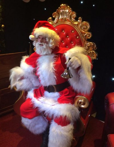 mobile grotto father christmas for hire