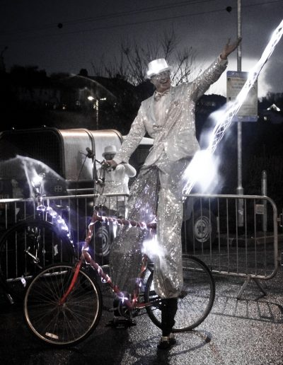 wadebridge star stilt bike lightning